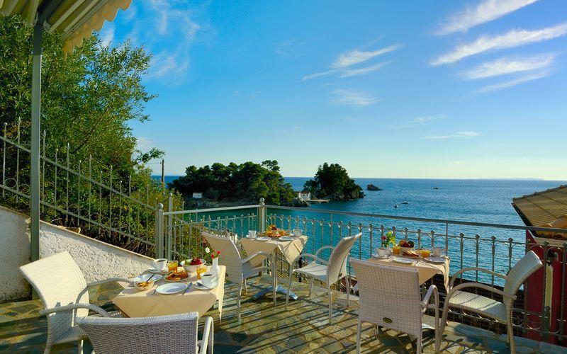 Terrassen der frokosten serveres