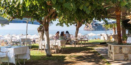 Koselige uteserveringer i Agia Marina