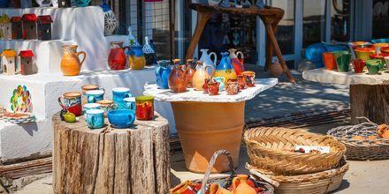 Kjøp keramikk i tradisjonelle greske farger