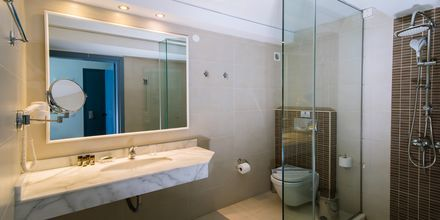 Badet i ett av rommene