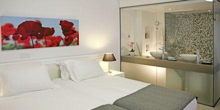 Toromsleilighet superior på hotell Alva i Fig Tree Bay på Kypros.