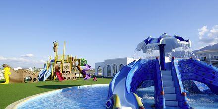 Barnebassenget og lekeplassen