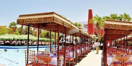 Restauranten ved bassenget