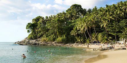 Surin Beach som ligger i bukta sør for Bangtao