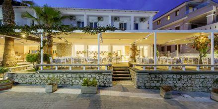 Restauranten og baren på hotellet