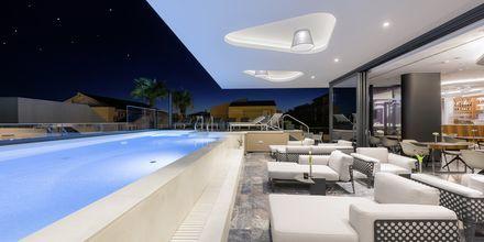 Lounge ved bassenget