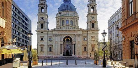 St. Stephens Basilica er byens høyeste bygning på 96 meter.