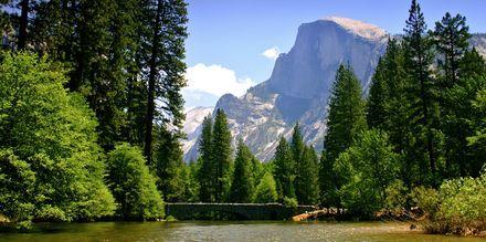 Yosemite nasjonalpark byr på mektig natur.