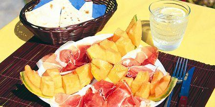 Parmaskinke og melon er godt på en varm dag