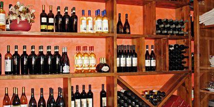 En av vinbutikkene – ønotekene –  i Caorle