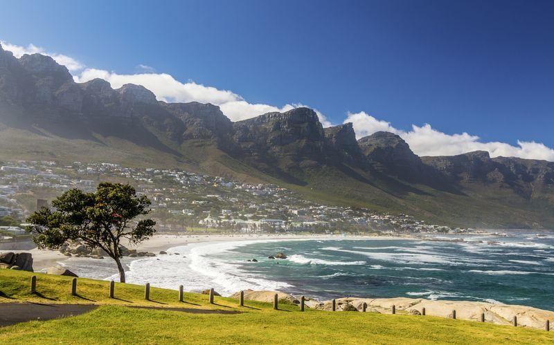 Cape Town i Sør-Afrika lokker med hvite strender, varme temperaturer og vakker natur.