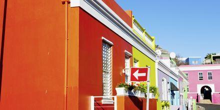 Fargerike boliger i bydelen Bo-Kaap, Cape Town.