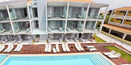 Nybygd hotellbygg på Captain Stavros.