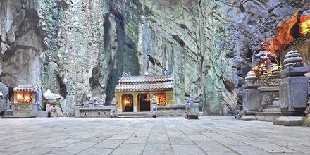 En grotte i Marble Mountains, Da Nang, Vietnam.