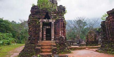 Tempelkomplekset Mÿ Són ligger et par mil fra Da Nang og er et UNESCO-beskyttet sted.