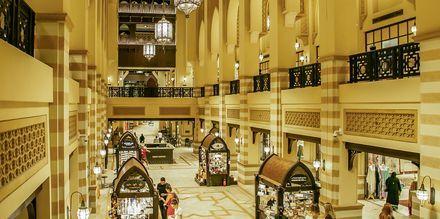Shoppingsenteret Souk Al Bahar i Dubai