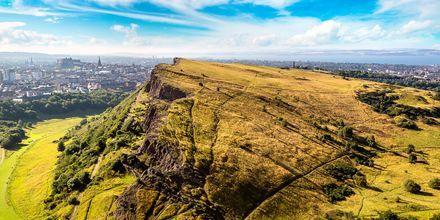 Kollen Arthur's seat ligger 197 meter over havet og er et populært utsiktspunkt i Edinburgh.