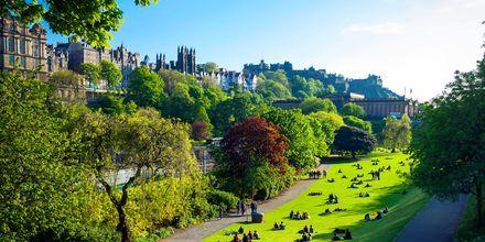 Parken mellom Edinburghs nye og gamle bydeler.