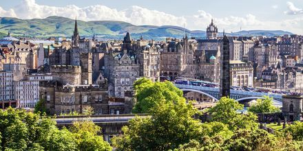 Edinburgh er oppdelt i en middelaldersk gamleby og en nyere del. Begge bydelene er flere hundre år gamle.