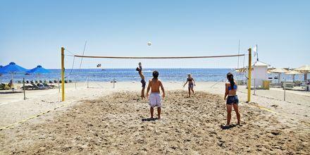 Sandvolleyball på hotellets strand