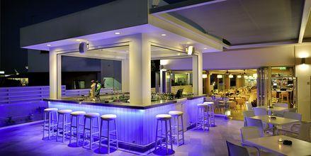 Poolbar på hotell EuroNapa i Ayia Napa, Kypros
