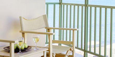 Dobbeltrom med balkong og havutsikt