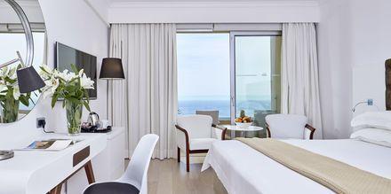 Dobbeltrom med havutsikt på hotell Grecian Park, Kypros.