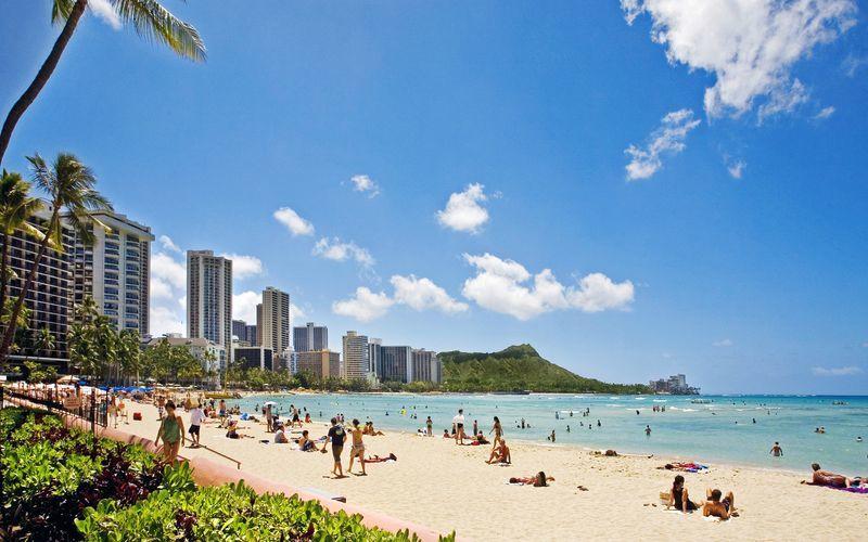 0e258b73 2 / 14 Stranden Waikiki Beach i Honolulu på Hawaii.