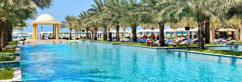 Bassengområde på Hilton Ras Al Khaimah Resort & Spa.