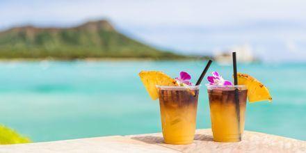 """Drinken """"Mai Tai"""" kommer opprinnelig fra Hawaii, og serveres mange steder i Honolulu. Skål!"""