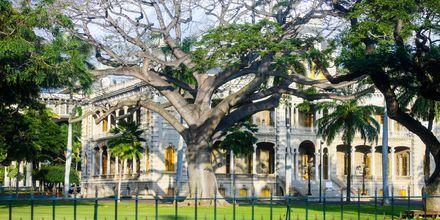 I Honolulu ligger USAs eneste kongelige slott – Iolani Palace.