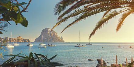 Ibiza, sørøst for Mallorca, er en grønn øy med svært mye å tilby.