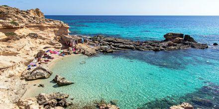 Ta en utflukt til Formentera, der turkisblått hav og hvite strender venter.