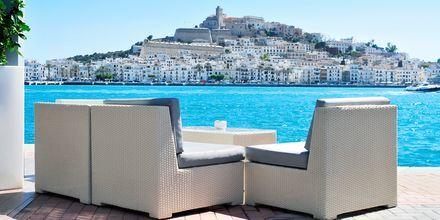 Kos deg med slappe dager på Ibiza med sol, bad og god mat.