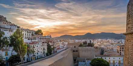 Dalt Vila – gamlebyen på Ibiza.