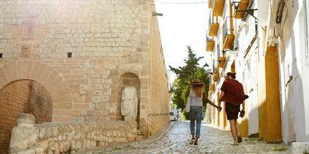 Ibiza passer for både par, barnefamilier og vennegjenger.