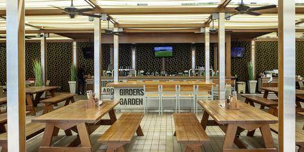 Restaurant Girders Sports Bar