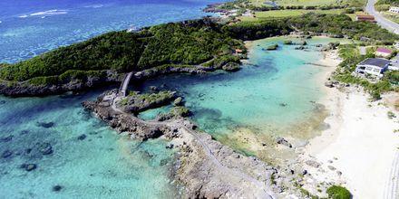 Strand på øya Okinava, Japan.