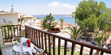 Utsikten fra balkongen til ett av rommene