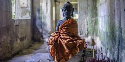 Gammel Buddhastatue i Bayon Tempelet