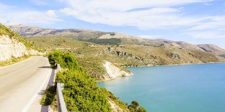 Vakre utsiktspunkt er det mange av langs Kefalonias veier.
