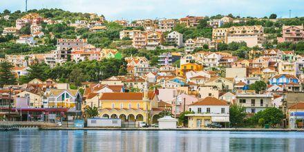 Argostoli er Kefalonias største by.