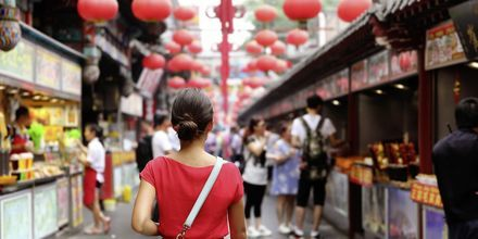 Det kryr at matmarkeder i Kina. På tide å smake på en ny rett?