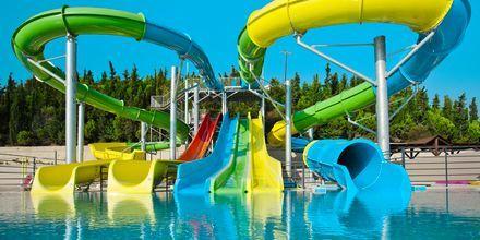 Vannsklier på nabohotellet Kipriotis Aqualand