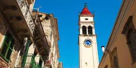 St. Spyridon er Korfus skytshelgen og i Gamlebyen ligger St. Spyridons kirke