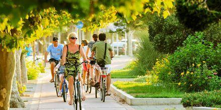 Ta en sykkeltur gjennom Kos by