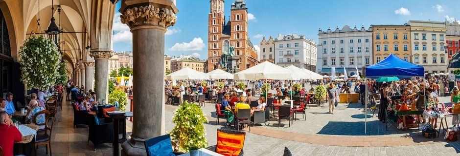Det store torget, Rynek Glóvny, i Krakow, Polen.