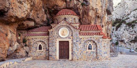 Sjarmerende kapell i fjellet i Plakias.
