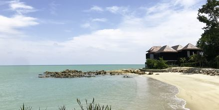 Du har mange muligheter til å bo så og si på havet. Her fra Ritz Carlton Langkawi.