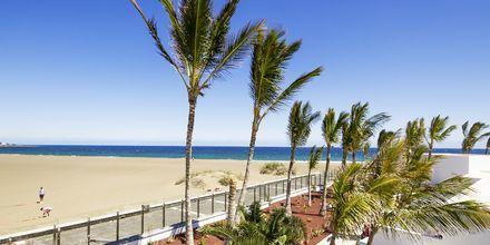 Stranden ved Las Costas utenfor Puerto del Carmen